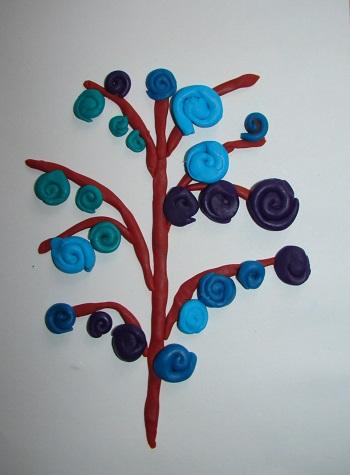 дерево с цветами из пластилина
