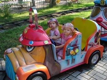 двойняшки на паровозике