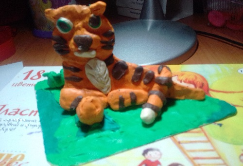 фото тигра из пластилина - объемная лепка