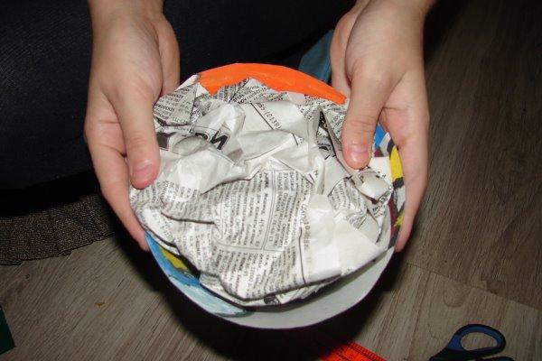 конус, заполненный бумагой