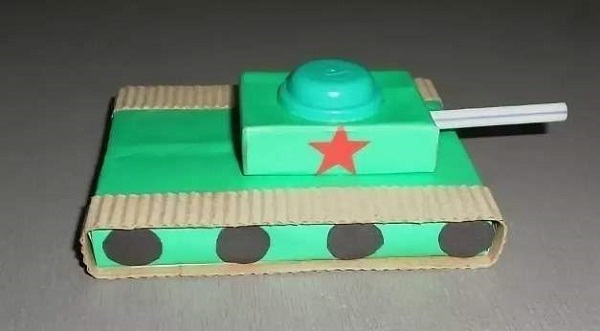 танк из 5 коробков