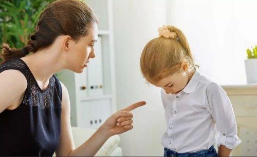 не ругайте ребенка за плохие оценки